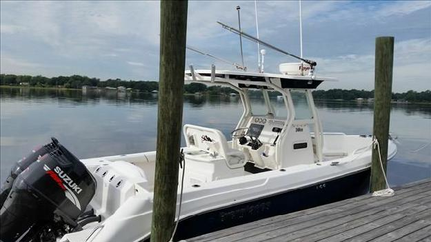 2007 Everglades Boats 240 CC