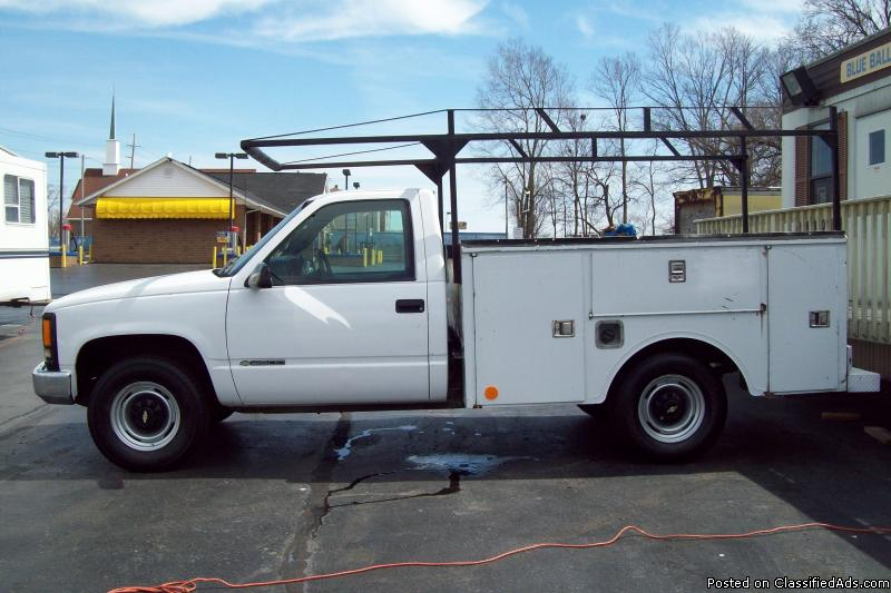 2000 CHEVROLET CK2500 WORK TRUCK TOOL BOXES AND LADDER RACK