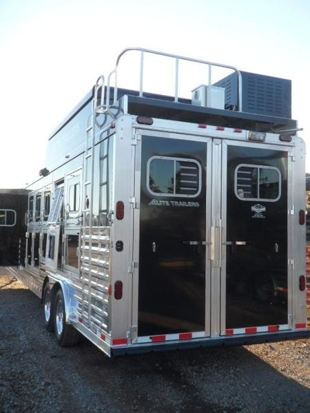 2015 Elite 5 Horse 15 Trail Boss Living Quarters
