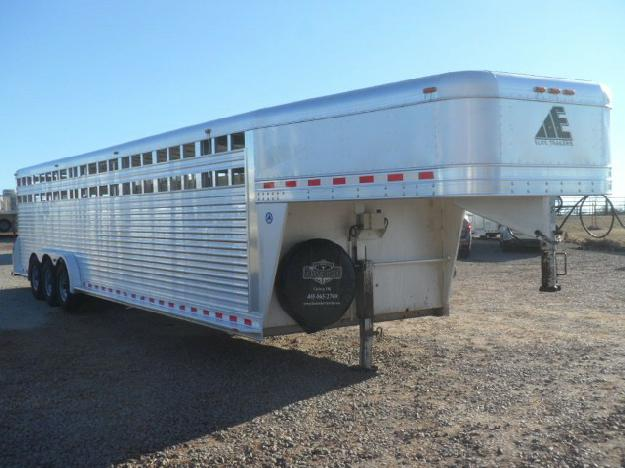 2007 Elite 32 Stock Trailer