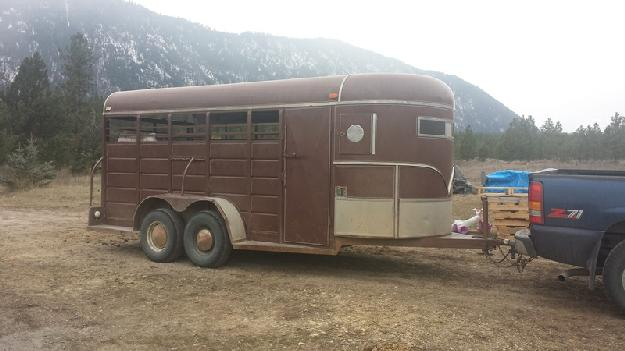 83 ww horse trailer