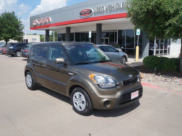Kia : Soul Base Base 1.6L ABS Brakes (4-Wheel) Air Conditioning - Front Airbags - Front - Dual 2
