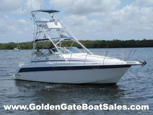 1999, 32' PROLINE 3250 EXPRESS with Retractable Tower