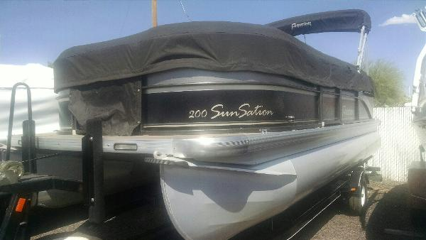 2011  Premier Boats  SunSation 200 RE