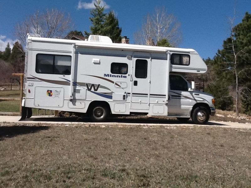 2004 24' Winnebago Minnie E Series 30A