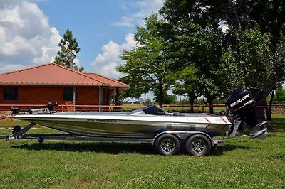 GAMBLER 2200 DC PRO BOAT WITH MERCURY HP 300XS OPTIMAX MOTOR!