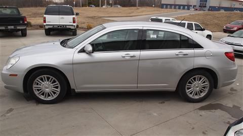 2007 Chrysler Sebring Sedan Sedan 4D