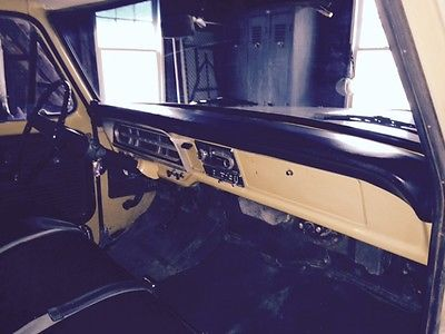 Ford : F-100 Custom 1972 f 100 302 automatic 3 sp with power steering