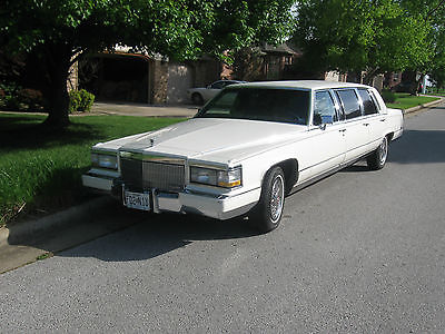 Cadillac : Fleetwood Brougham Beautiful 1992 Cadillac Fleetwood Brougham - 6 door - only 49K Miles