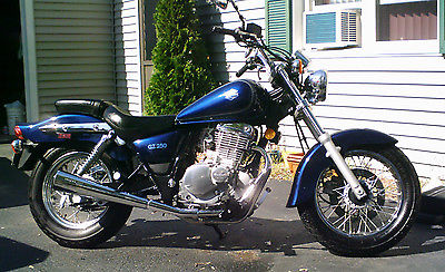 Suzuki : Other Versatile Suzuki GZ250 Motorcycle classic styling w/ Leather Saddle Bag +