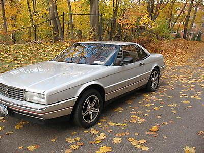 Cadillac : Allante standard 1990 cadillac allante convertible hardtop