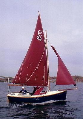 17' sailboat gaff rigged sloop