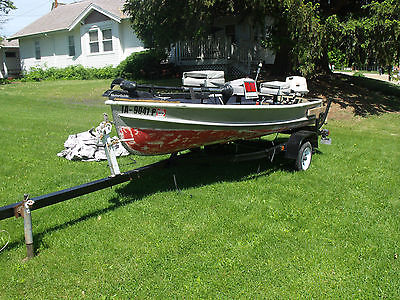 14 Foot V Bottom Boat - 18 HP Motor, Trolling Motor, Extras