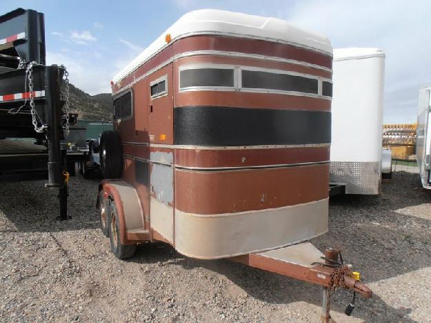 1496 - 1984 circlej 2 horse bp trailer