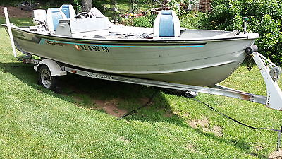 GRUMMAN 16' ALUMINUM BOAT WITH TRAILER AND EXTRAS  PROJECT BOAT NO MOTOR