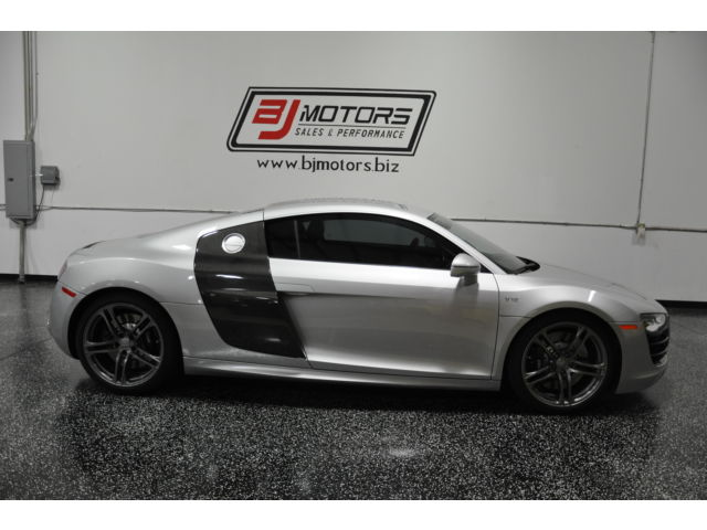 Audi : R8 2dr Cpe Auto 2011 audi r 8 v 10 5.2 l ice silver low miles carbon loaded