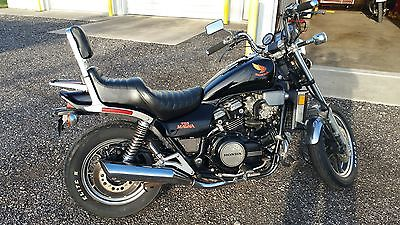 Honda : Magna 1985 honda v 65 magna vf 1100 c black good running condition 25 000 miles