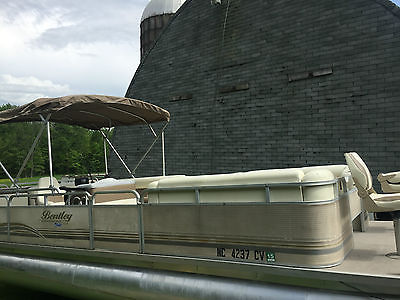 2002 Bentley Smoker Craft 24' Pontoon Boat  with 2005 115 HP Mercury Outboard