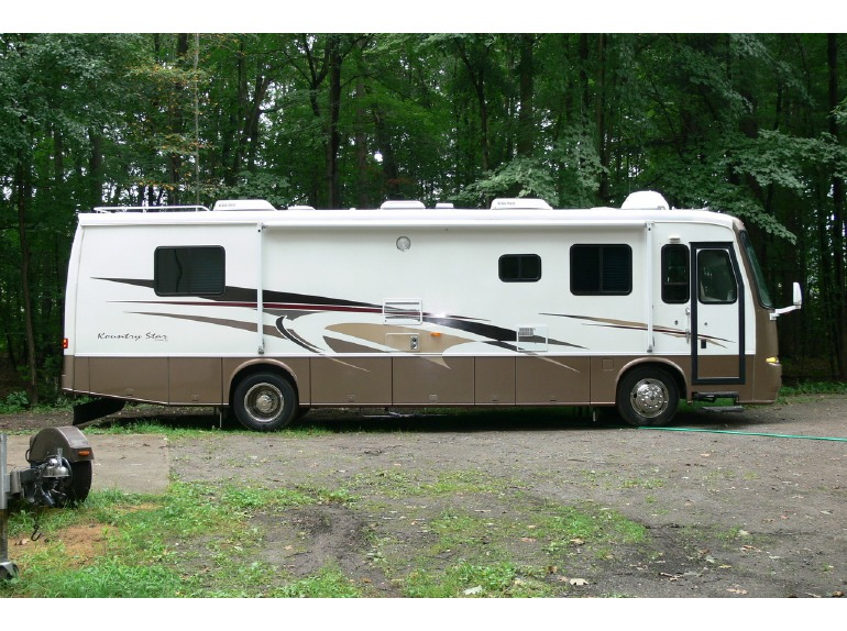2002 Newmar Kountry Star 3778