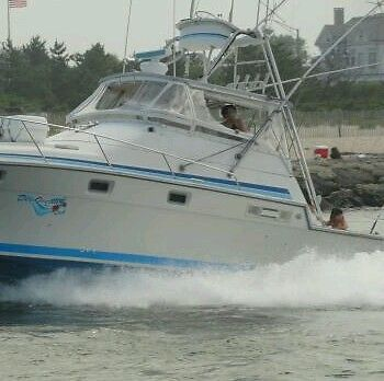 1985 34ft Luhrs Sport Fisherman W / Tuna Tower