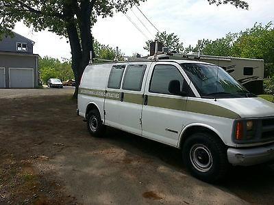 Chevrolet : Express Base Standard Cargo Van 3-Door 2002 chevrolet express 3500 base standard cargo van 3 door 5.7 l