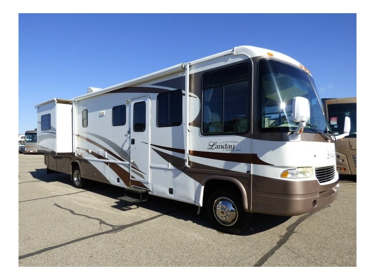 2005 Georgie Boy LANDAU 3650TS
