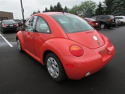 Volkswagen : Beetle-New 2dr Coupe GL Automatic 2 dr coupe gl automatic low miles automatic gasoline 2.0 l 4 cyl orange