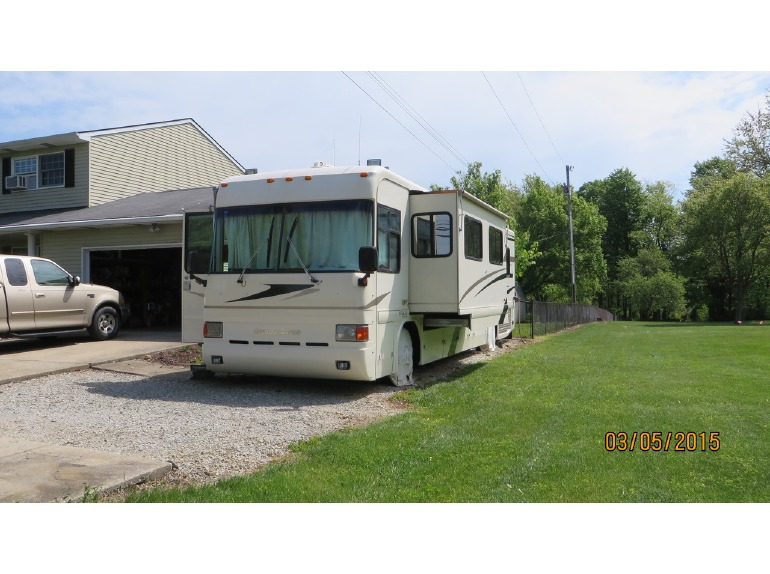 1999 Country Coach Intrigue 36'