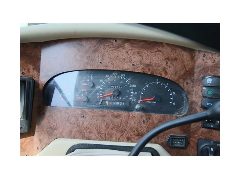 2004 Damon Challenger 33