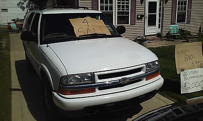 Chevrolet : Blazer black 2002 white chevy blazer 4 x 4