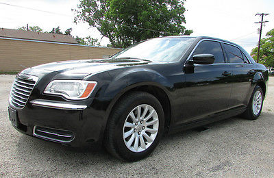 Chrysler : 300 Series 300 Texas one owner 300 loaded blue tooth toch screen push start auto trans v6 3.6L