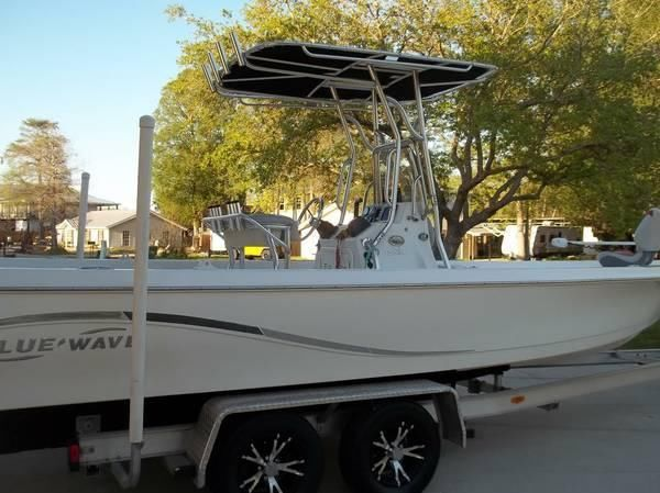 24' 2009 Bluewave Pure Bay 2400
