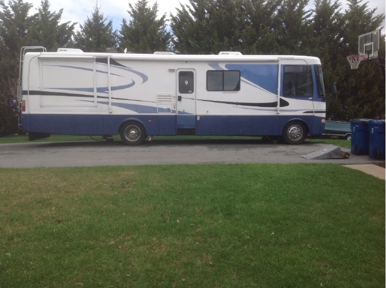 2003 Holiday Rambler Vacationer 36