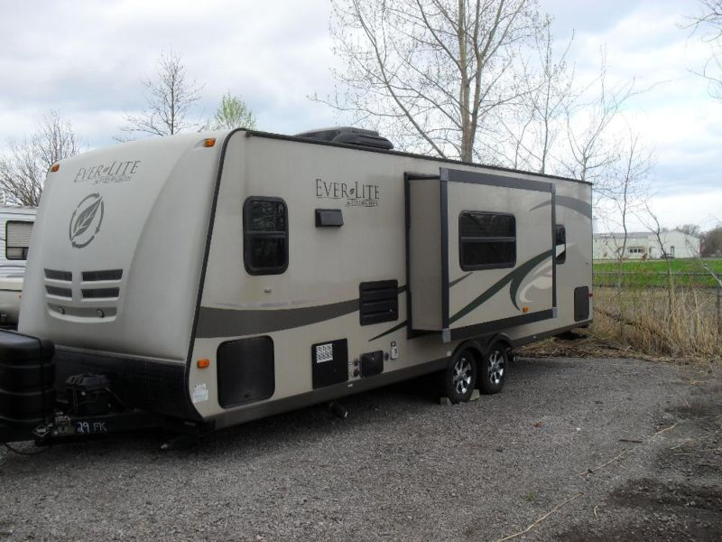 2010 Everlite Camper by Evergreen