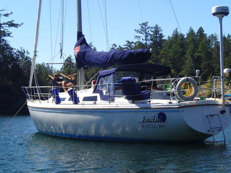 1986 36' Catalina Sailboat