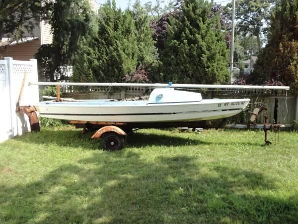 1961 Sailboat Daysailer Day Sailor Fiberglass 19 Foot with Trailer +++