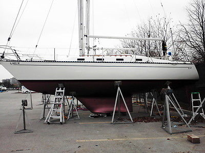 1982 TARTAN Sailboat 33'