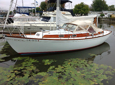 Sailboat -35ft Fiberglass Sloop