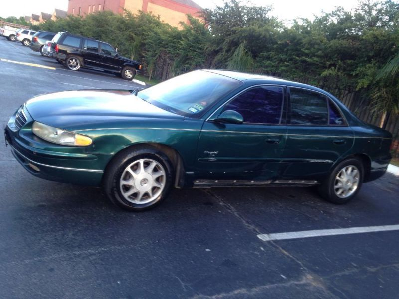 1999 Buick regal runs and drives excellent great on gas