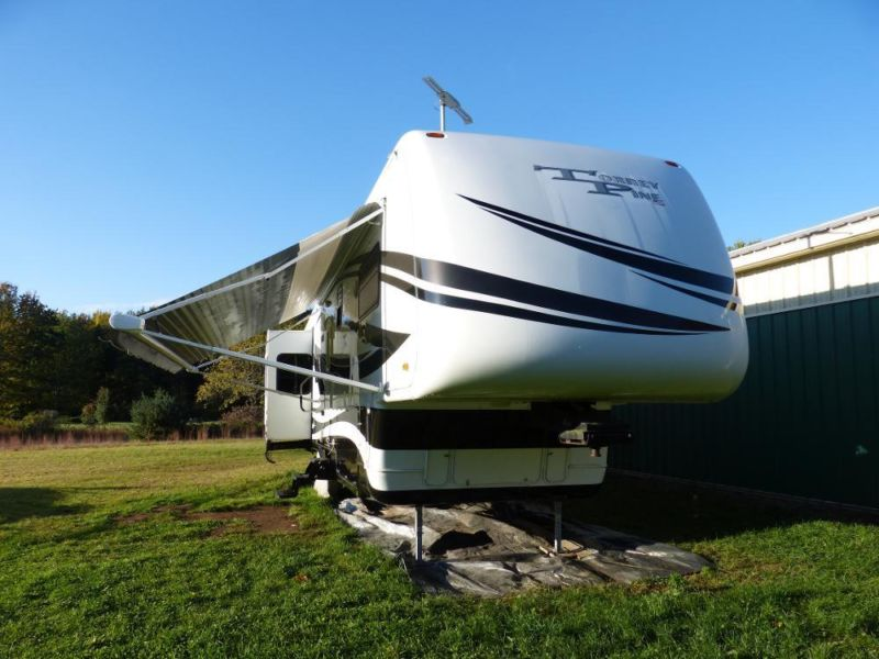 2007 Torrey Pine by Newmar 40' 5th Wheel Luxury Camper