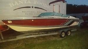 1989 FORMULA 242 LS SR 1 BOAT AND TRAILER  NEEDS POWER