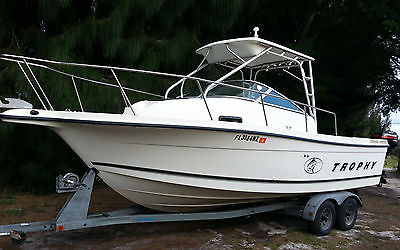 2000 TROPHY 2352  HARDTOP  WALK AROUND FISHING CRUISING BOAT  23' CUDDY LOADED