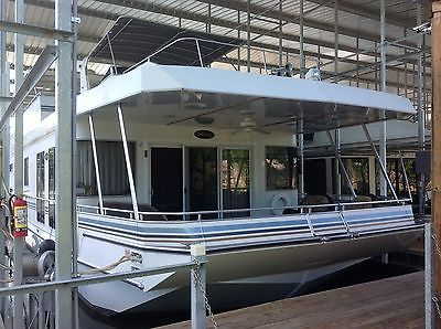 2010 Stardust Cruiser, 19x94 FT Houseboat, located greersferry lake,