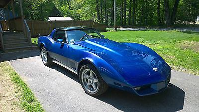 Chevrolet : Corvette T-top 1978 chevrolet corvette base coupe 2 door 5.7 l