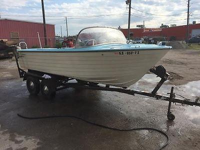Classic 1965 Starcraft Boat