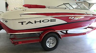 2014 Tahoe Q5 ski boat runabout bowrider wakeboard fishing tubing one owner