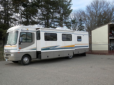 2003 Fleetwood Bounder 32W ** EXCELLENT CONDITION **
