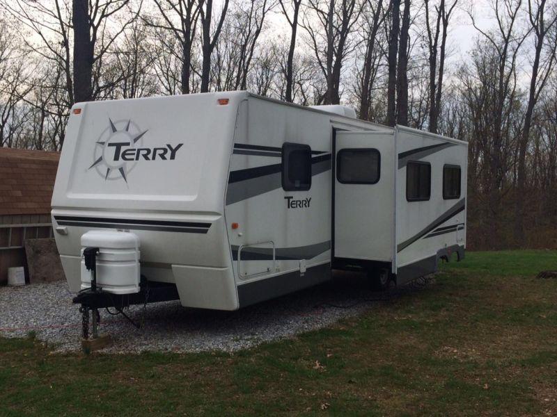 2006 Terry Travel Trailer 300FQS