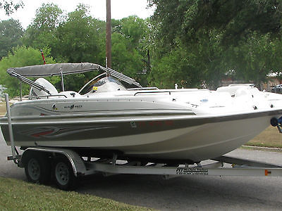 2011 Hurricane SS201 Deck Boat