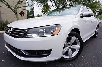 Volkswagen : Passat SE w/Sunroof 12 white passat only 22 k miles clean carfax like 2010 2011 2013 2014 wow